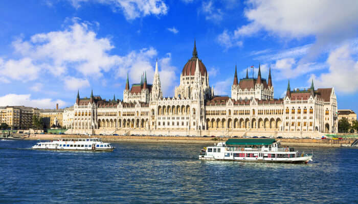 buda castle and cruise
