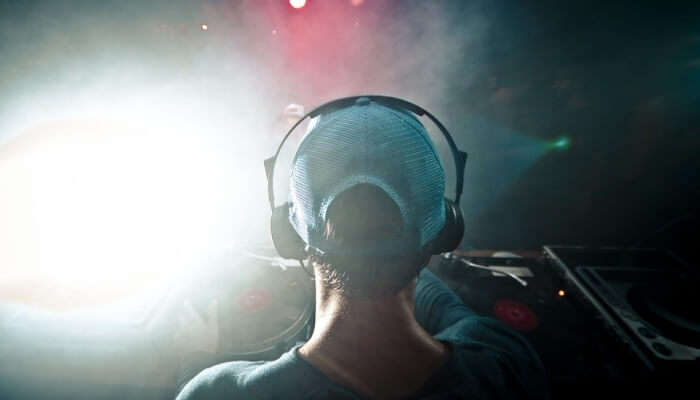 Experience The Vibrant Nightlife At DJ Station