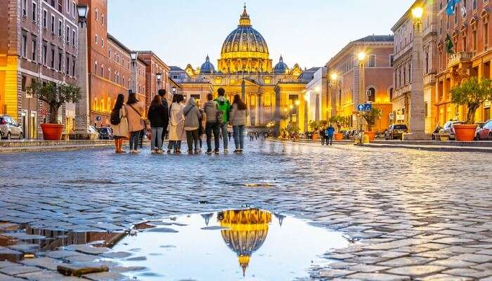 rome to replace cobblestone streets with asphalt cover