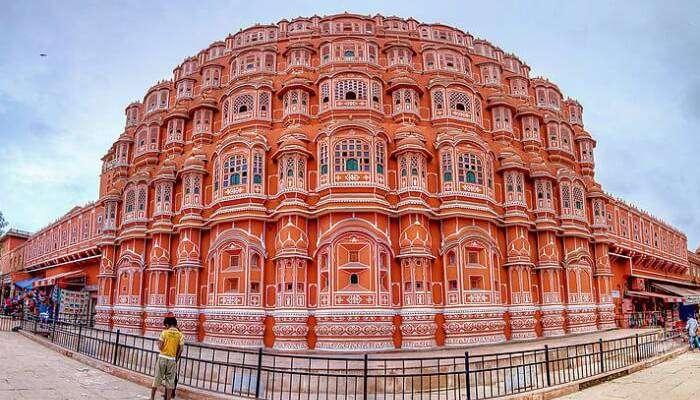 Tourist spot Near Jantar Mantar, Jaipur
