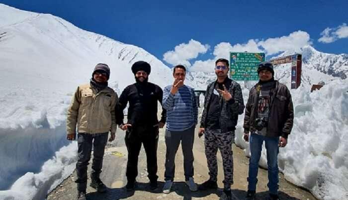 Friendship Goals On Mountains