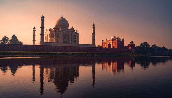 How to Reach Taj Mahal in Agra