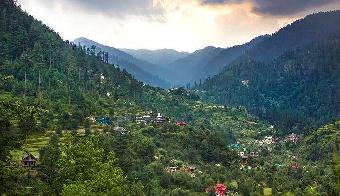 Jibhi mountains valley