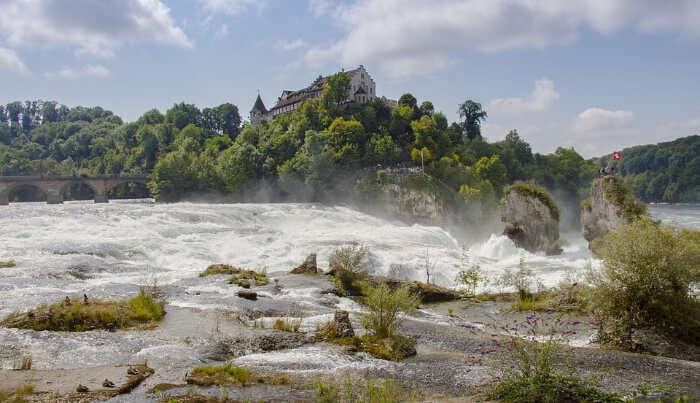 Rhine Falls - Boatin