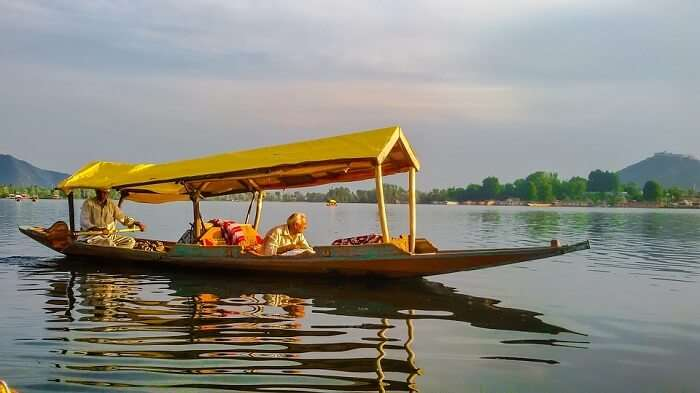 dal lake boat