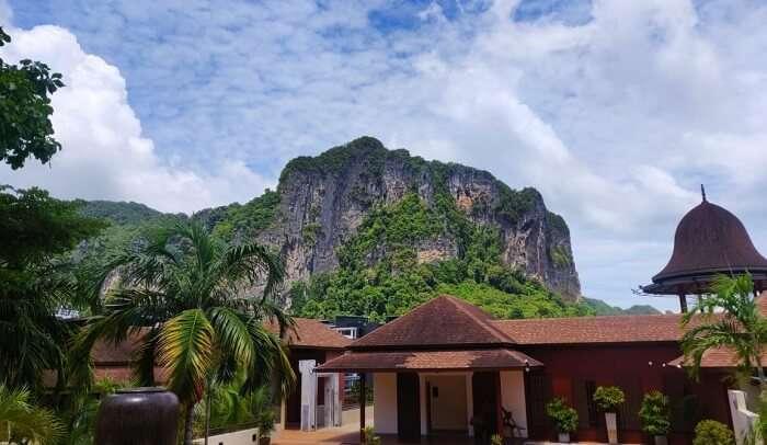 stay at Aonang Cliff Resort