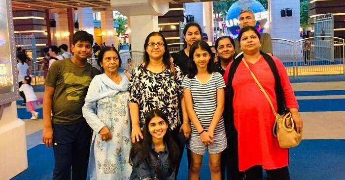 Lata's Trip To Singapore With Family Deepened The Family Bond, And How!