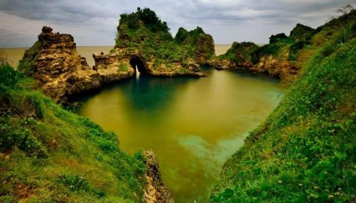 Pantai Sari Goang TWA Gunung Tunak