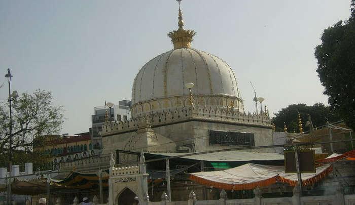 Tarkeen Dargah