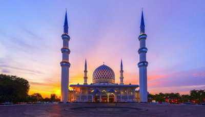 cover-places to visit in shah alam in december