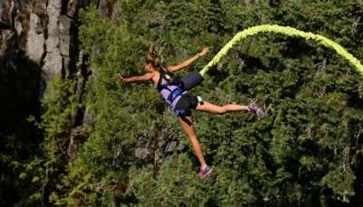 bungee jumping pic