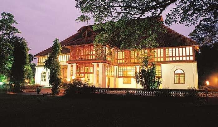 Bolgatty Palace and Island Resort have beautiful meadows and lawns