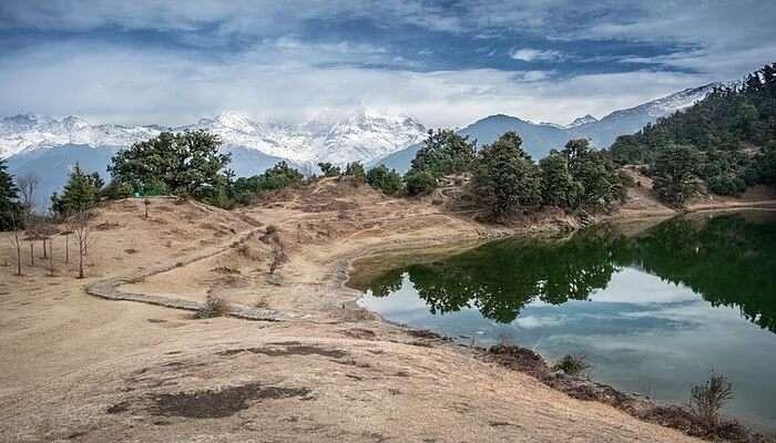 Deoria Tal Chopta valley