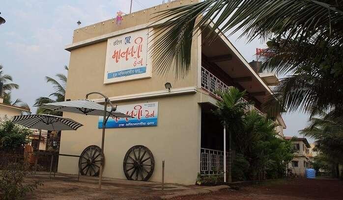 top homestays in Malvan