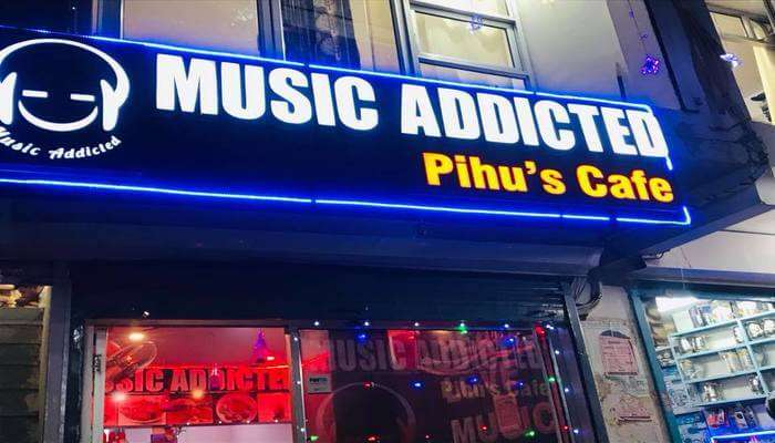 Music Addicted Pihu's Cafe Front View