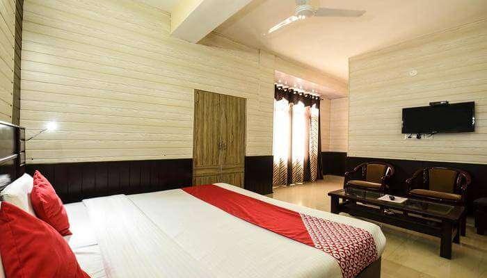 A R Homestay room