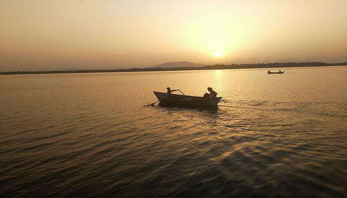 Chandlai Lake's view