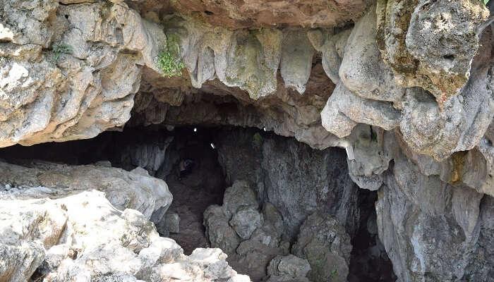 Beautiful Explore Mawsmai Cave