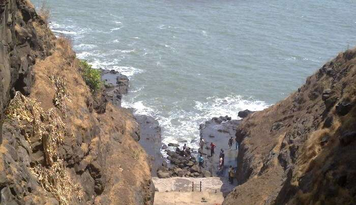 oldest temples of Raigad