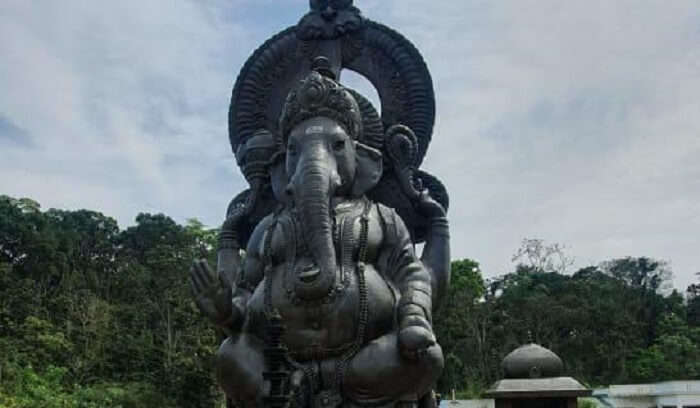staute of lord ganesh