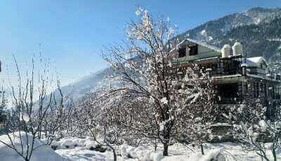 Snowfall in Manali