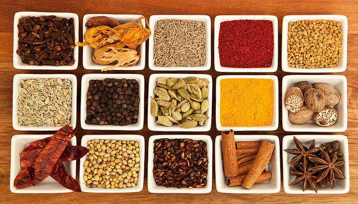 Taste Delicious Local Cuisines In Mumbai