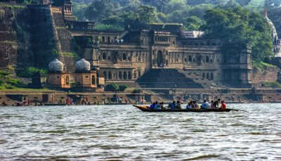 Best places to visit in maheshwar