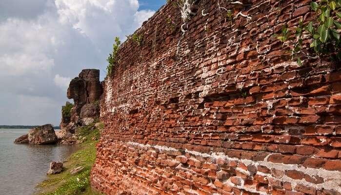 Alamparai Fort in Mahabalipuram