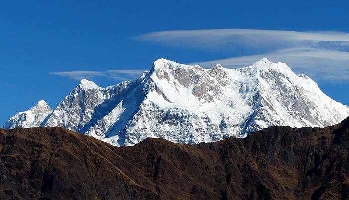 himalaya peaks mesmerizes the view