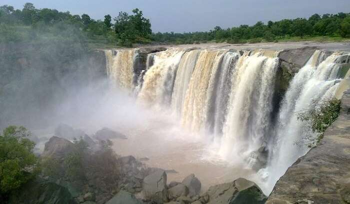 waterfall in chirmiri