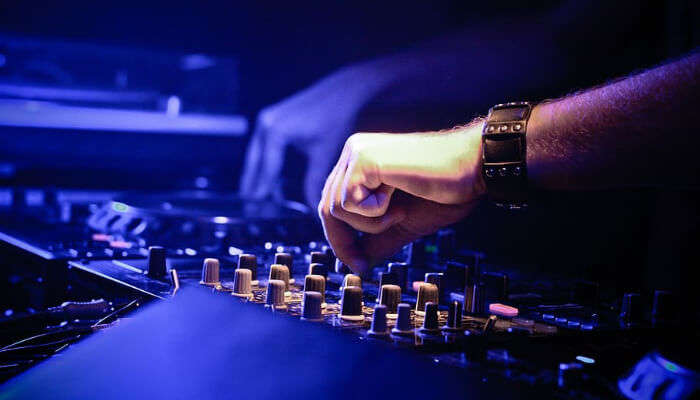 Playing with DJ