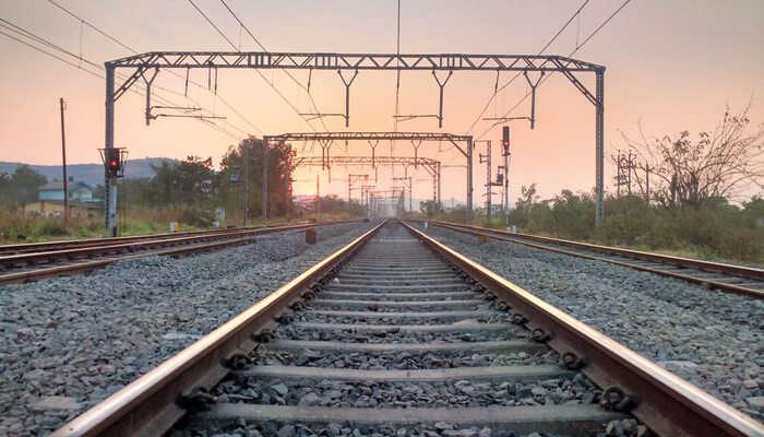 Awesome Delhi To Jim Corbett Trains