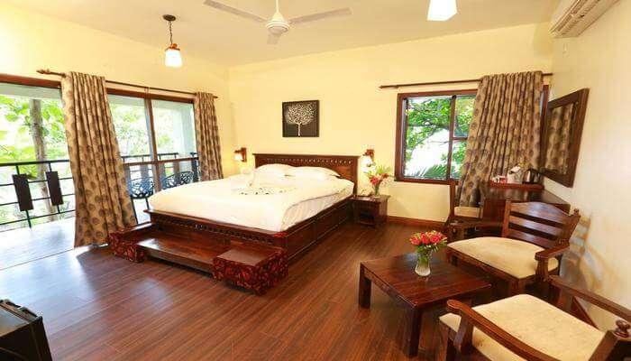 Deshadan Backwater Resort
