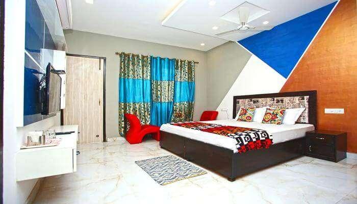 Eden Villa room