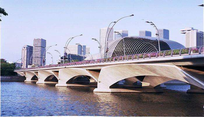 one of the famous bridges in Singapore