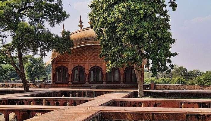 Gopal Bhwana