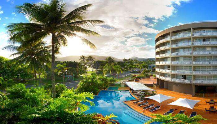 Hilton Cairns Waterfront Garden