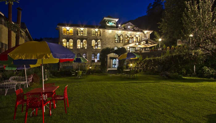 Hotel Orchard Green In Manali