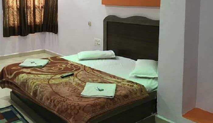 beautiful hotel in the city of Pachmarhi