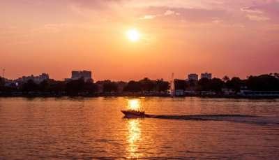 beautiful lake in ahmedabad