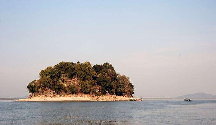 smallest river island in Guwahati