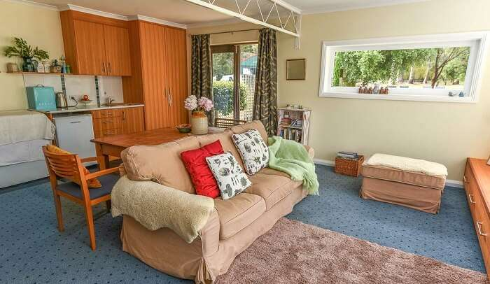 cover - Holiday Homes In Tasmania_9th Jan