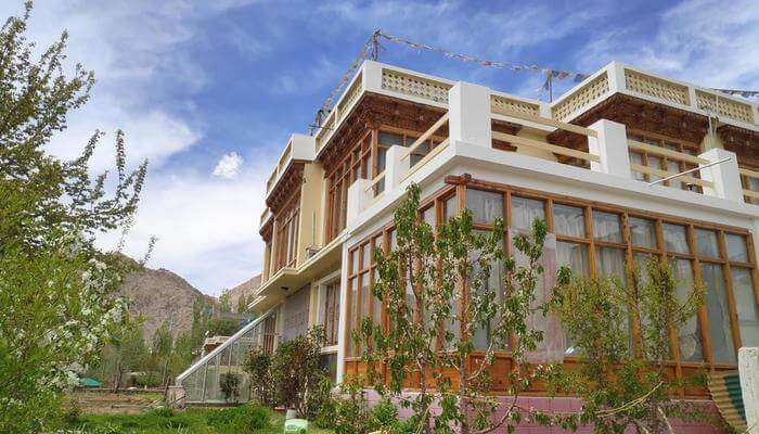 Best ladakh guest houses