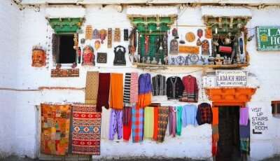cover - shopping in kashmir_29th Jan