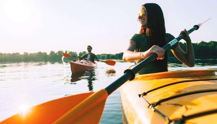 Kayaking Vs Canoeing