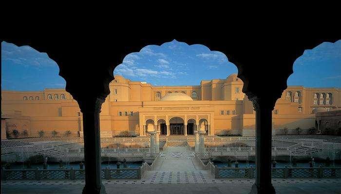 15 Hotels Near Taj Mahal