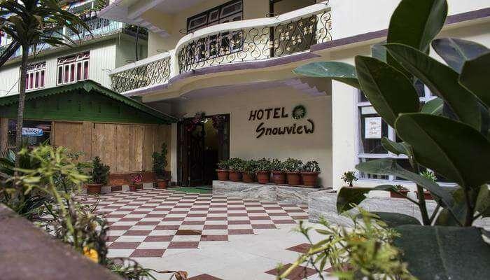hotels near nathula pass