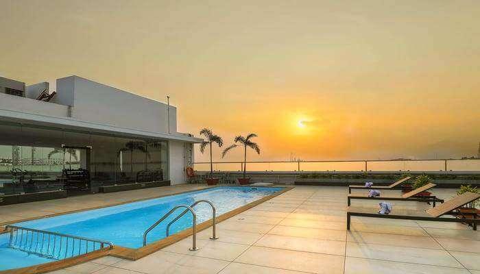 Hotel Holiday Residency