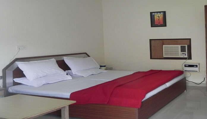 best hotels close to Chopta