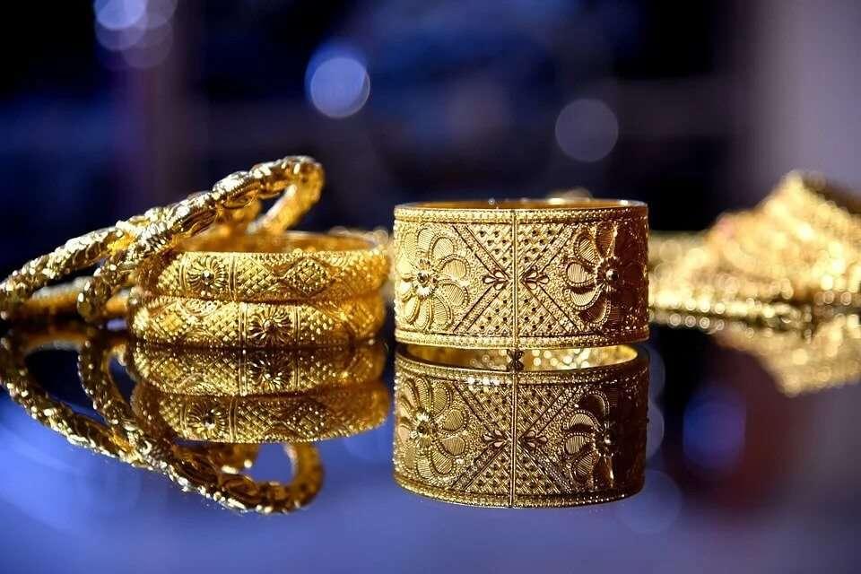 Jewellery & Gemstones